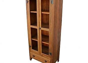 Armário de madeira rústico
