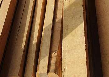 Distribuidor de taco de madeira