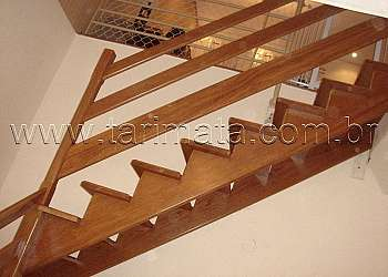 Porta de madeira interna