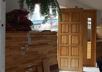 Porta de madeira lisa para quarto