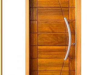 Porta de madeira redonda